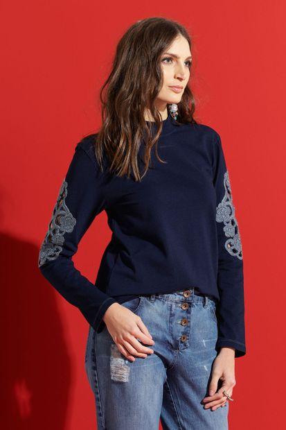 blusa-malha-jeans-bordada-1